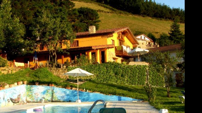 piscina casa rural gailurretan en Vizcaya