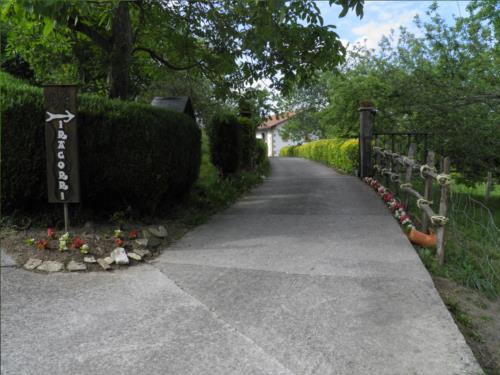 outside country house iragorri in Gipuzkoa