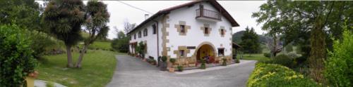 fachada 2 casa rural Iragorri en Gipuzkoa