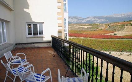 terraza casa rural vinea et oliva en Alava
