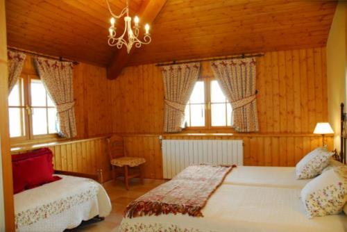 habitación doble casa rural Oraindi en Bizkaia
