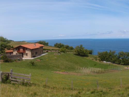 paisaje 1 casa rural Oraindi en Bizkaia