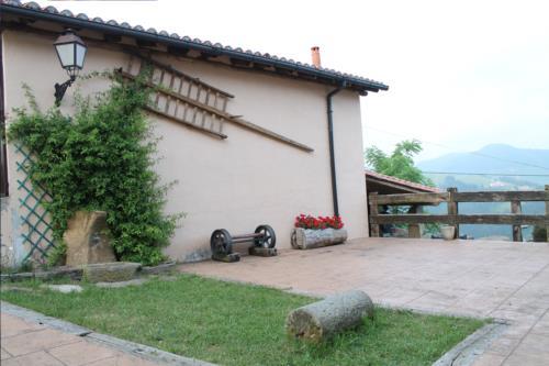 terrace farm house longa nagusia in Bizkaia