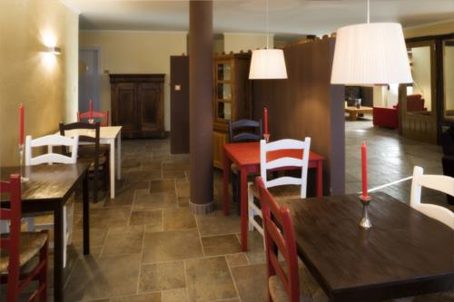 dining room country house etxegorri in Bizkaia