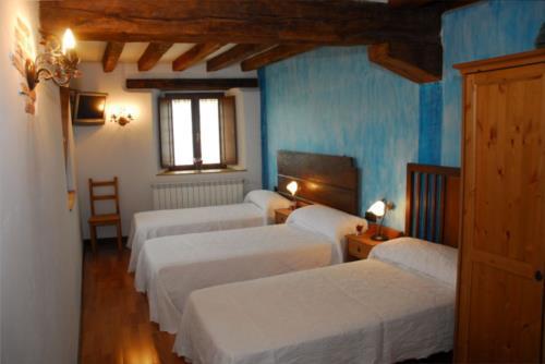 habitación triple casa rural Zadorra etxea en Alava