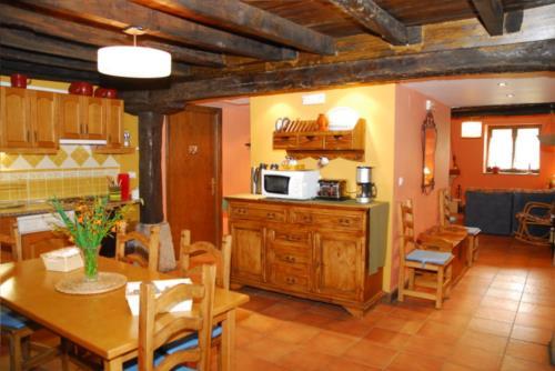 cocina casa rural altuena en Vizcaya
