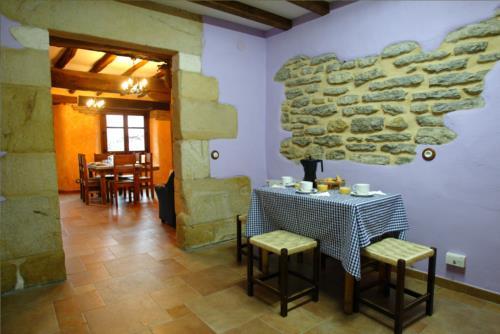 comedor casa rural sorginetxe en Alava