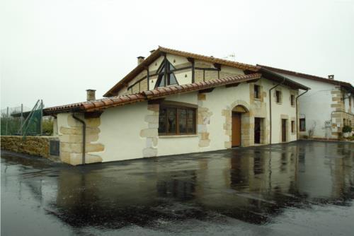 facade 1 country house sorginetxe in Alava