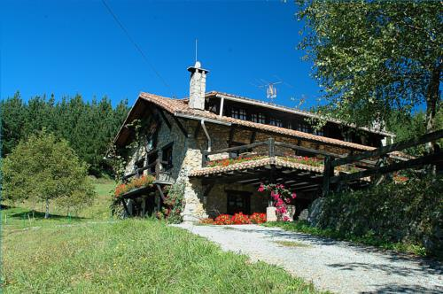 exterior casa rural Txopebenta en Bizkaia