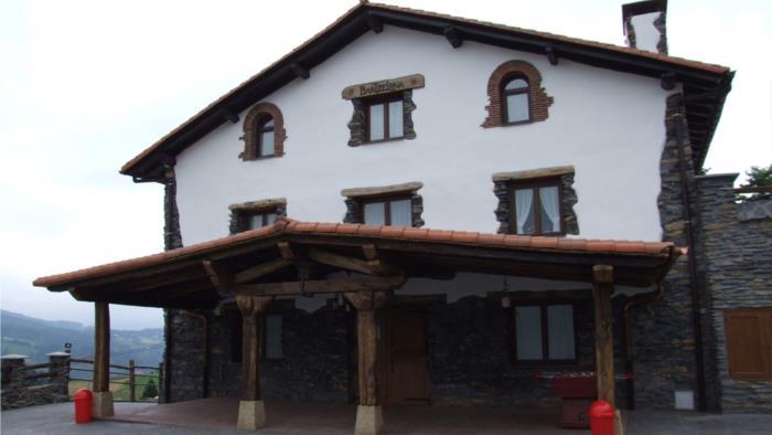 fachada agroturismo Bartzelona en Gipuzkoa