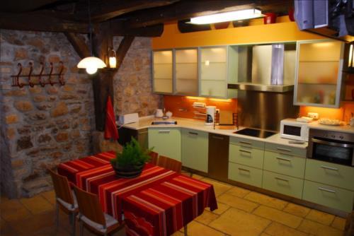 cocina agroturismo illumbe goikoa en gipuzkoa