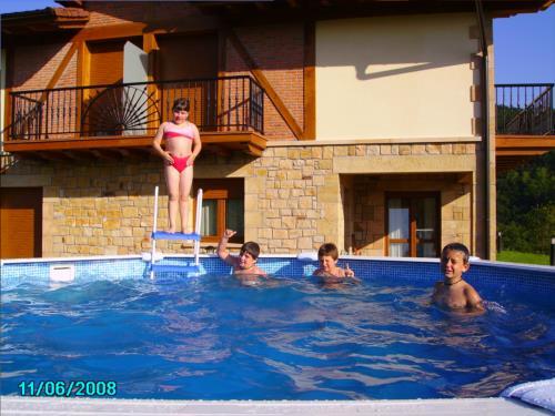 piscina agroturismo Kortazar en Gipuzkoa