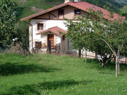 fachada 2 casa rural Azketa-Errota en Gipuzkoa