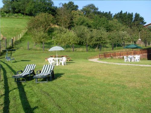 jardin 2 casa rural Azketa-Errota en Gipuzkoa