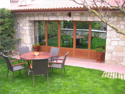 terrace 1 country house legaire in Alava