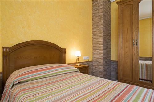 Dormitorio en casa rural Legaire Etxea