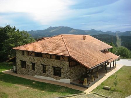 Fachada 3 casa rural Pagaigoikoa en Bizkaia