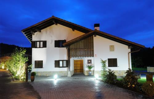 facade country house aldori in Bizkaia