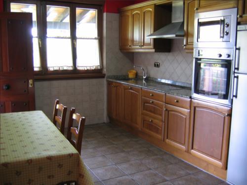 cocina casa rural landarbide zahar 2 en gipuzkoa