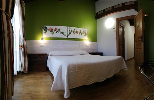 double room farm house behitegi in Alava