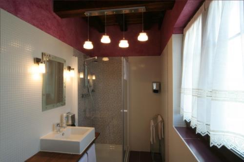 baño agroturismo behitegi en Alava
