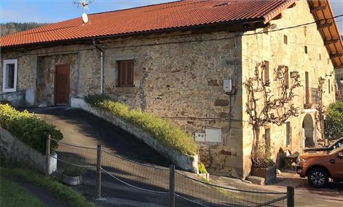 Fachada y entrada Berriolope