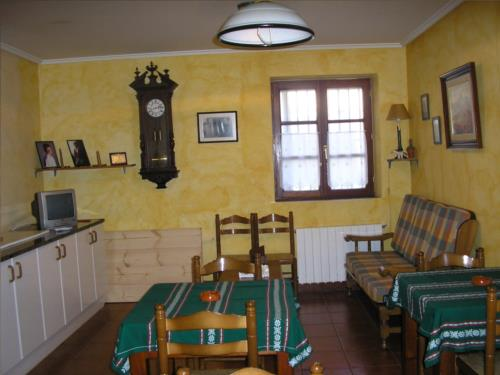dining room farm house berriolope in Bizkaia