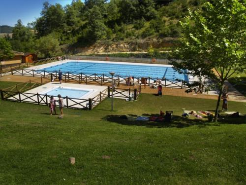 swimming pool country house gaztelubidea in Alava