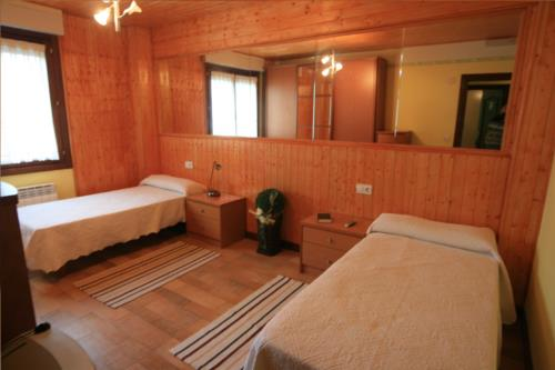 double room 2 country house los huetos in Alava