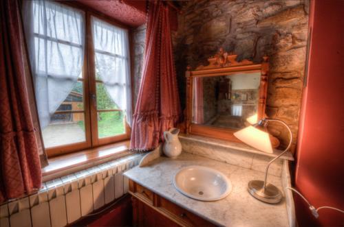 bathroom farm house ibarrolabekoa in Gipuzkoa