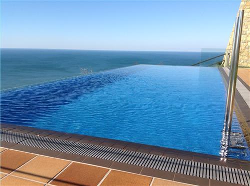 piscina 1 agroturismo Itxaspe en Gipuzkoa