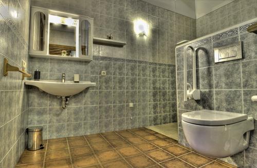 bathroom country house Epotx-etxea in Gipuzkoa