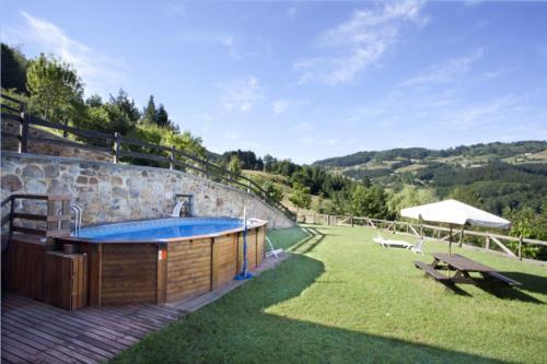swimming pool country house gorosarri in Gipuzkoa