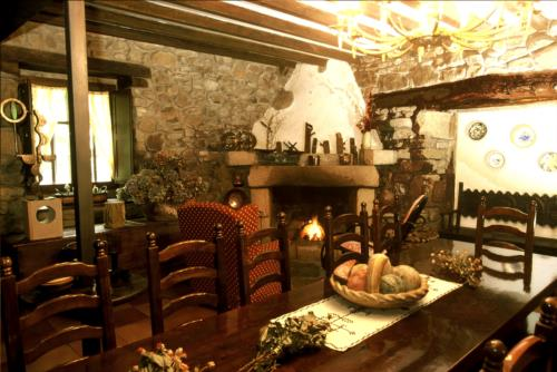 dining room country house garro in Bizkaia