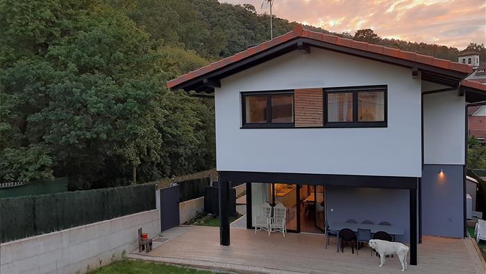 Fachada_Apartamentos_Rurales_Urdaibaikm0_Busturia_Urdaibai_Bizkaia_Euskadi