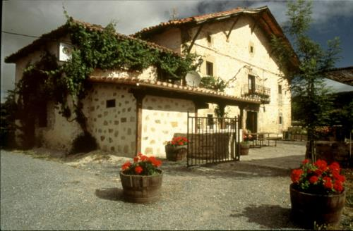 facade 1 farm house guzurtegi in Alava