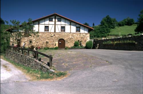 facade farm house baztarretxe in Gipuzkoa