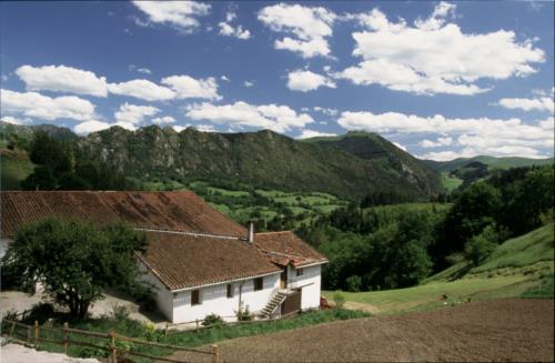 facade farm house aldarreta in Gipuzkoa