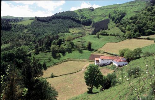 landscape farm house aldarreta in Gipuzkoa