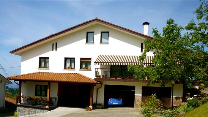 fachada casa rural Gaikoetxe en Gipuzkoa