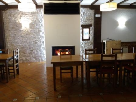 DinningroomfireplaceAizperroOrio