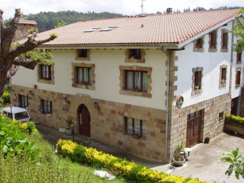 facade farm house aizperro in Gipuzkoa
