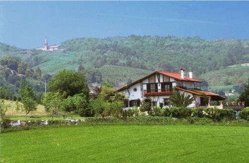 paisaje casa rural iketxe en gipuzkoa