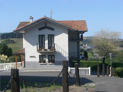 fachada 1 agroturismo Tolare Berri en Gipuzkoa